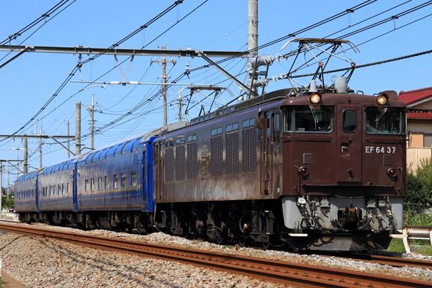 配9826レ EF64 37+24系 3両 (オハネ24-551・552・554)