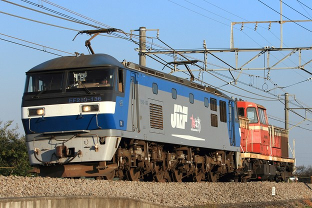 単6795レ EF210 136+DE10 1142