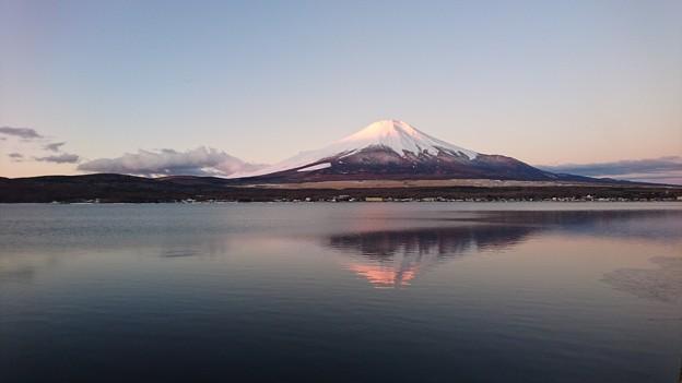 Photos: 逆さ赤富士