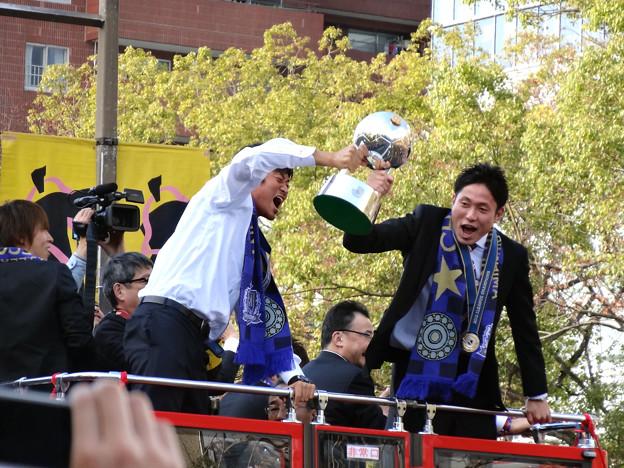 Photos: サンフレッチェ広島 J1優勝パレード 千葉和彦 森脇良太