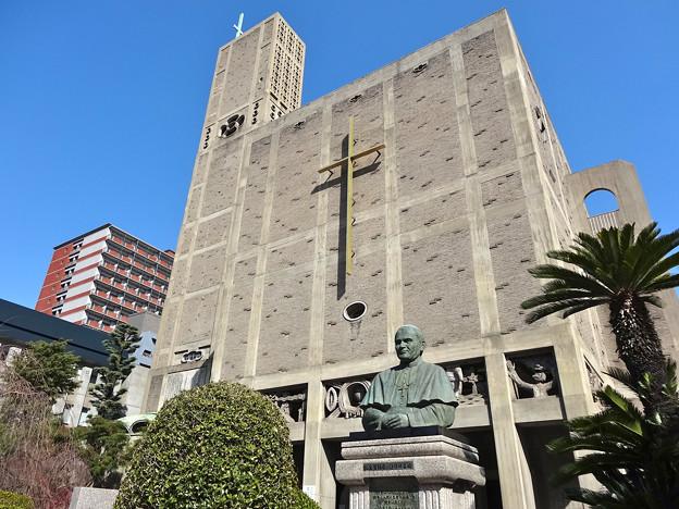 世界平和記念聖堂 広島市中区幟町 Memorial Cathedral for World Peace Bronze Statue of Pope John Paul II