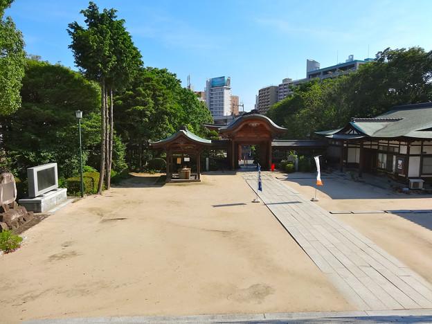 饒津神社 境内 手水舎 向唐門 社務所 Nigitsu shrine 広島市東区二葉の里