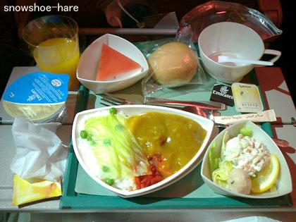 成田→ドバイの機内食1