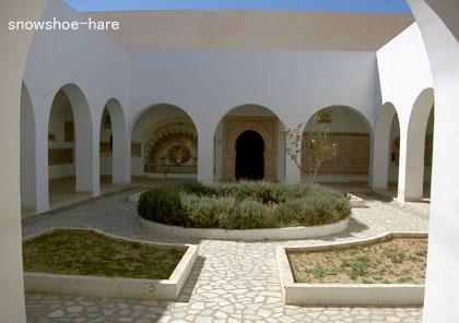 エル・ジェム博物館はじめの中庭