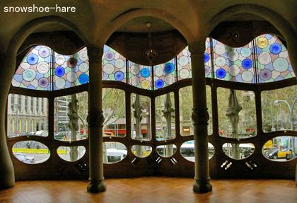 中央広間の窓