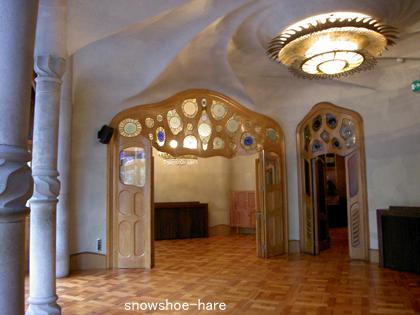 中央広間の壁から天井