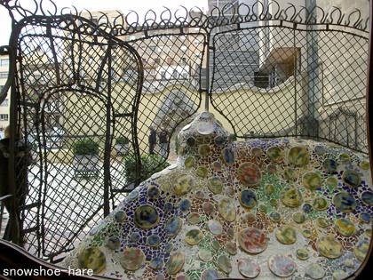 テラスの装飾と金網