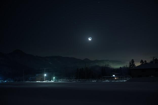 月昇る夜明け前