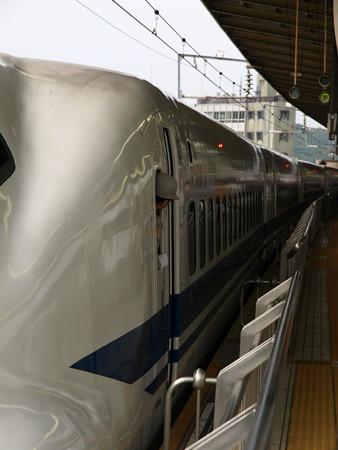 700系(新横浜駅)4