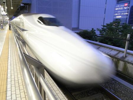 N700系(新横浜駅)