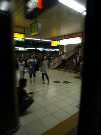 寝台特急北陸の車窓(大宮駅)4