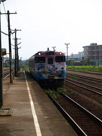 キハ40氷見線(能町駅)1