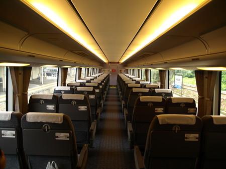 681系(はくたか21号)車内