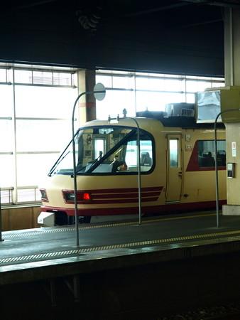 485系(金沢駅)