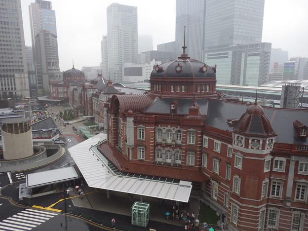 雨の東京駅1