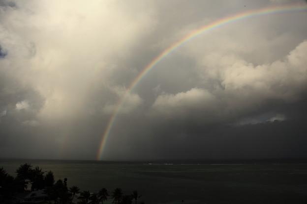 海上の虹2