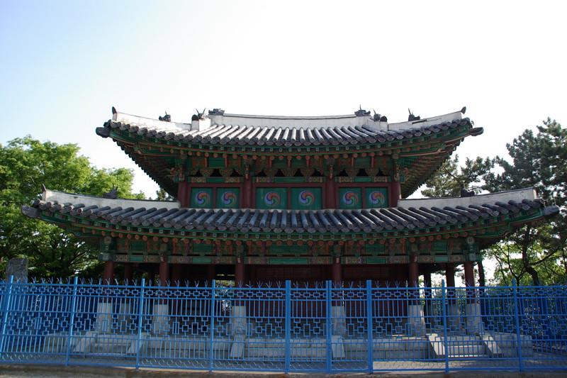 日本軍撤兵後に築かれた鎮南台(復元)