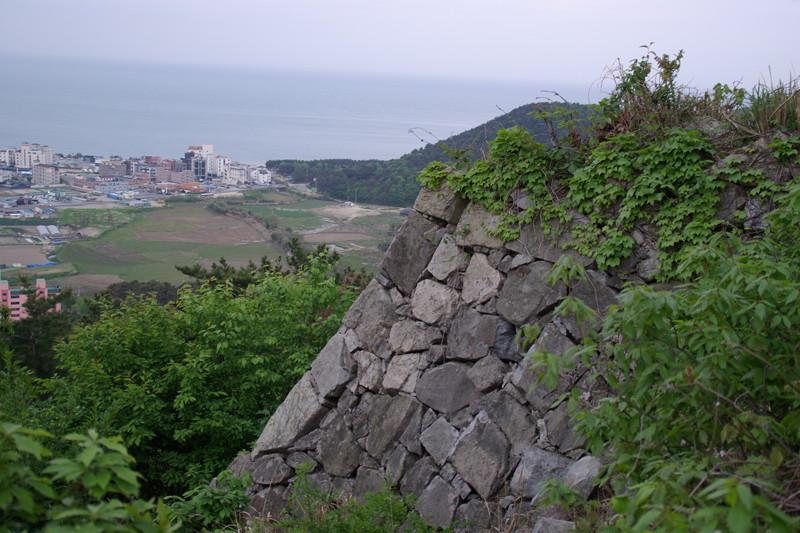 港を取り込んだ築城