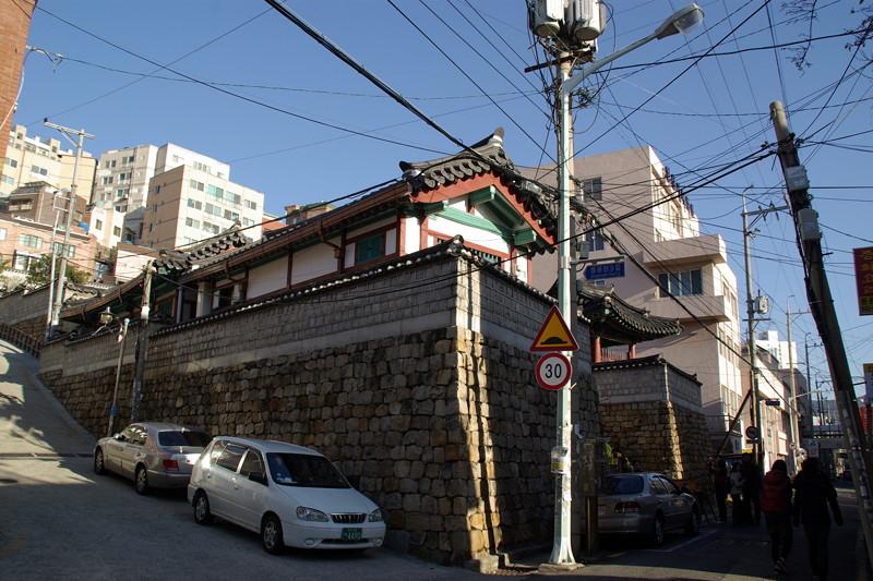 釜山鎮城は住宅地に埋没