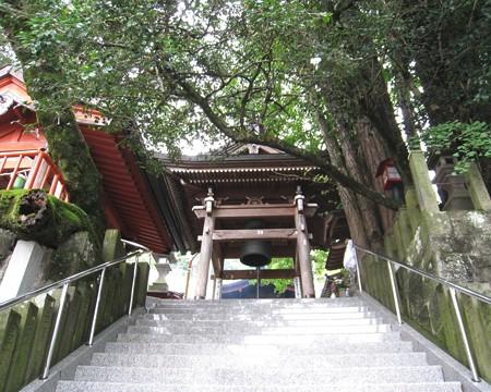 大分 高塚地蔵尊04 鐘堂
