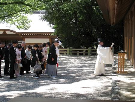 熱田神宮10 結婚式4 祈祷殿前