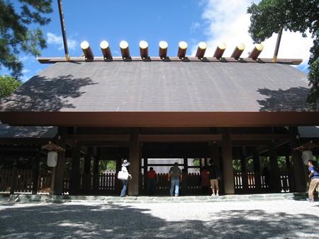 熱田神宮12 鰹木10本の拝殿