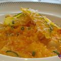 サフラン香る タラバ蟹と帆立貝のトマトクリーム風味