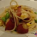 パンチェッタと吉田牧場のカチョカヴァロチーズ、季節野菜のスパゲッティーニ黒胡椒風味