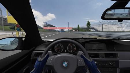 BMW 2013-05-13 18-01-53-35
