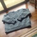 写真: セーター編んだ