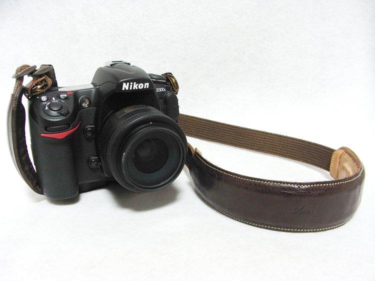 Nikon D300S + Nikon AF-S NIKKOR 35mm f/1.8G