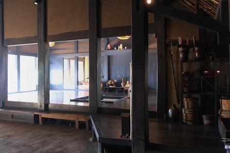 2013.01.04 長屋門公園 母屋 土間から囲炉裏