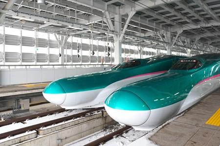 2013.01.27 新青森駅 E5系「はやて」×2