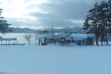 2013.01.27 田沢湖~乳頭温泉 バス車窓から田沢湖