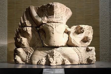 2014.01.08 東京国立博物館 ナーガの上のガルダ カンボジア