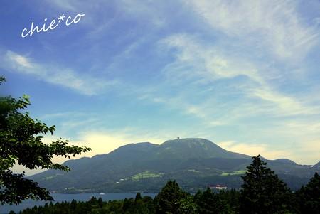 駒ケ岳と・・空と・・芦ノ湖と・・