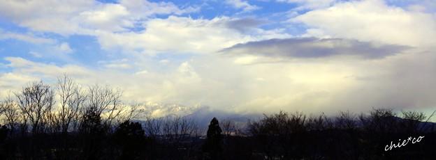 冬木立と・・雲と・・山と・・