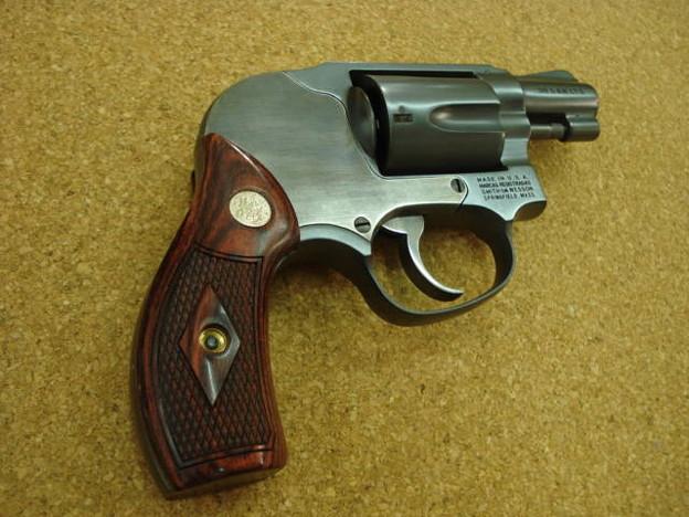 レインボーラグーン S&W M49 ボディーガード アルタモント グリップ