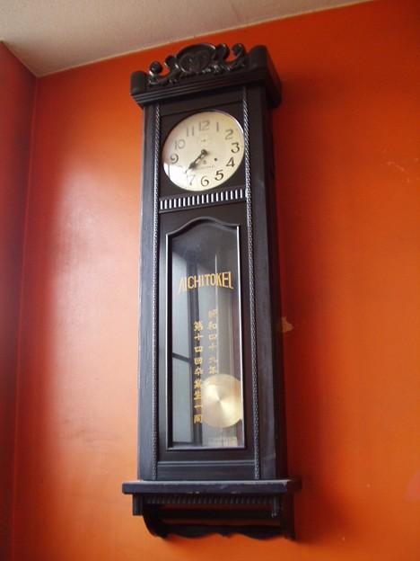 某高校の柱時計(愛知時計)
