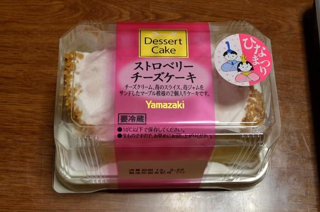 ヤマザキ<ストロベリーチーズケーキ>