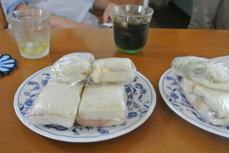 お母さんの手作りサンドイッチ~