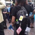 写真: 自民党街宣に向かって、ドラム隊に合わせてシュプレヒコール『TPP...