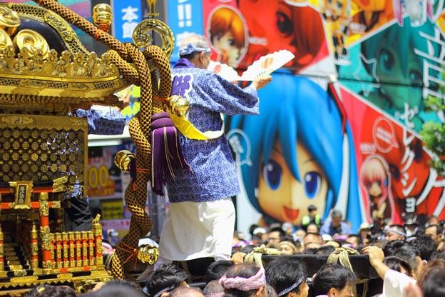 これぞ現代日本のお祭り