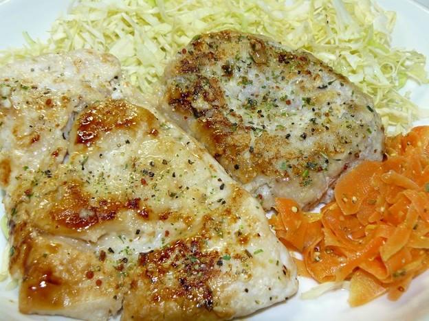 鶏ムネ肉の塩麹漬けステーキ&豆腐ハンバーグ