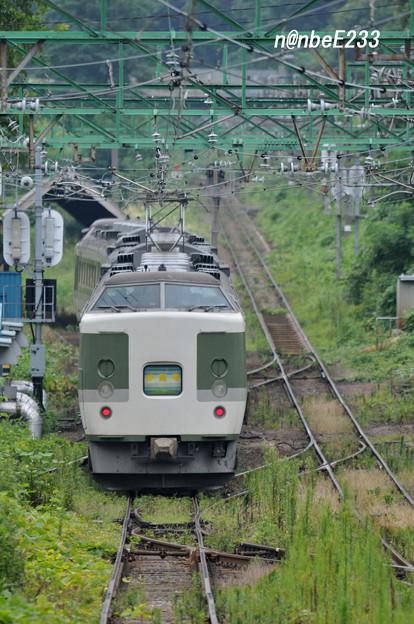 二本木駅スイッチバック 【3326M 「妙高6号」】