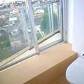 おトイレから外が見えます。。。ちょっと恥ずかしいかも?