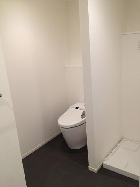 Espace TeTe~2号室トイレ・洗濯機置き場