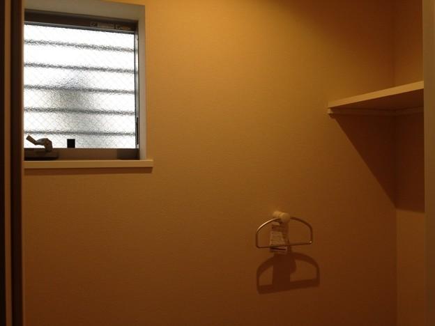 麻布ハウス~トイレ窓&物置台