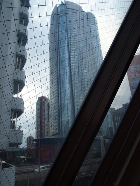 Photos: 米久ビルNo.2~リビング窓からヒルズ