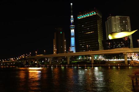 東京スカイツリーもライトアップ!2012